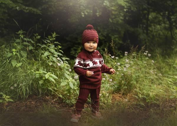 Bilde av Vinrød ullsett med genser Lajny og ribbebukse Kenty